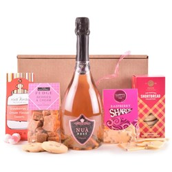 Rose and Berries Luxury Hamper