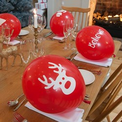 Christmas Red Balloon Pop-per Crackers