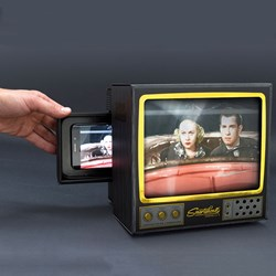 Smartphone TV Magnifier