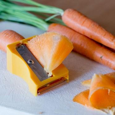 Giant Carrot Pencil Sharpener & Peeler