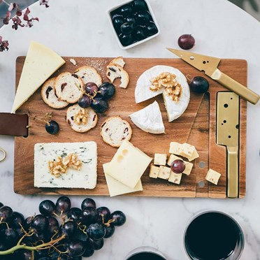 Hanging Cheeseboard with Gold Knives