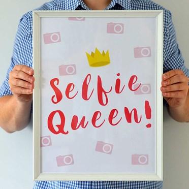Selfie Queen Framed Print